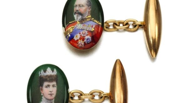 Gold and painted enamel cufflinks, featuring portraits of King Edward VII and Queen Alexandra, which made £7,500 (€9,000) at Sotheby's